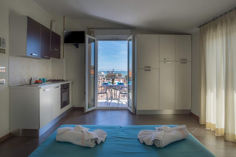 wohnung renovierung appartement im erdgeschoss, apartments in rimini mit klimaanlage und blick auf das meer, Design ideen