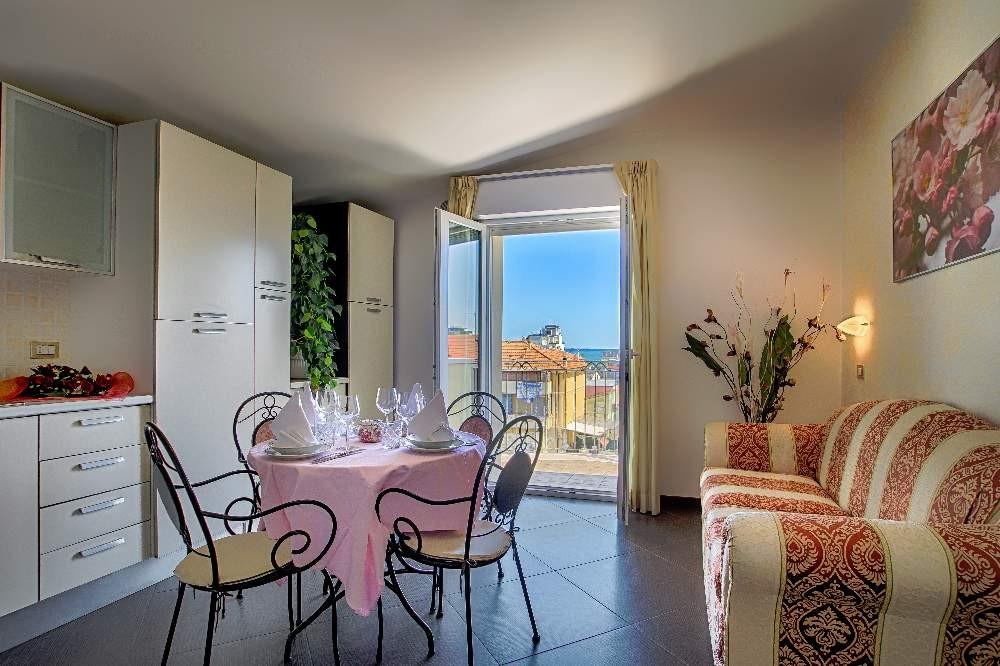 Appartamenti rimini con aria condizionata e vista mare for Appartamenti rimini