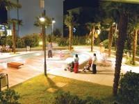 Il centro di Gatteo Mare con i suoi negozi, bar, e locali per una piacevole passeggiata serale