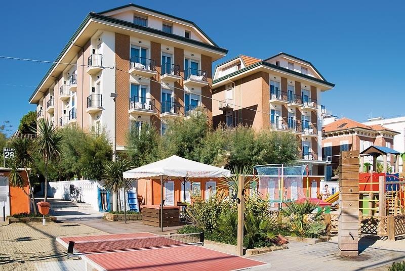 Hotel a bellaria con piscina scopri l 39 hotel roma - Hotel con piscina bellaria ...