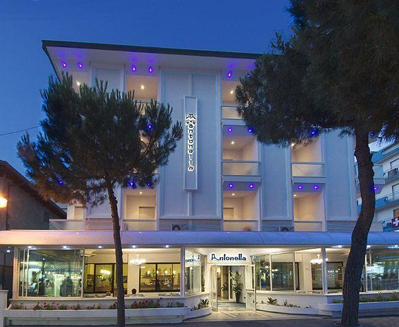 Hotel antonella a gatteo mare offerte prezzi 2016 e foto for Gardini per arredare gatteo fc