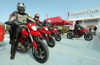 Motors Beach Show, auto e moto in spiaggia a Cervia