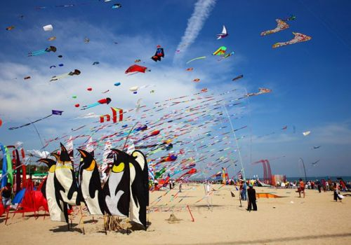 Aquiloni sulla spiaggia di Rimini