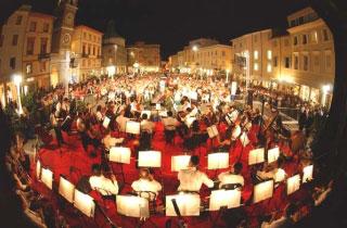Concerto di Capodanno 2009 a Rimini con la Boheme di Puccini