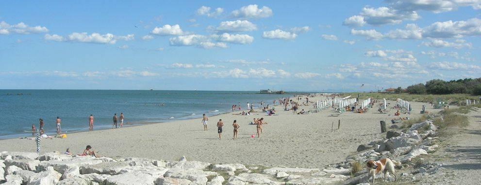 Spiaggia libera sui lidi di Ravenna